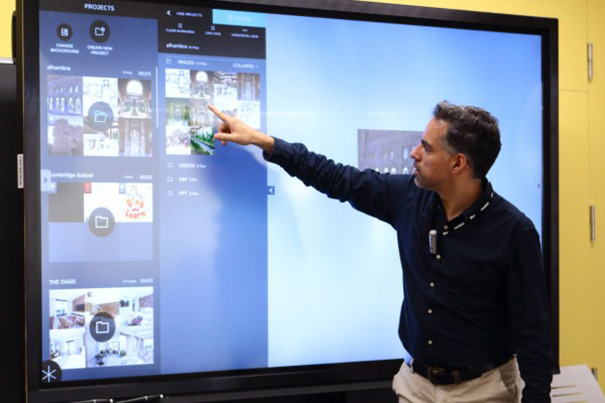 Pablo Olavide University installs the PDI Clevertouch Plus for teaching purposes