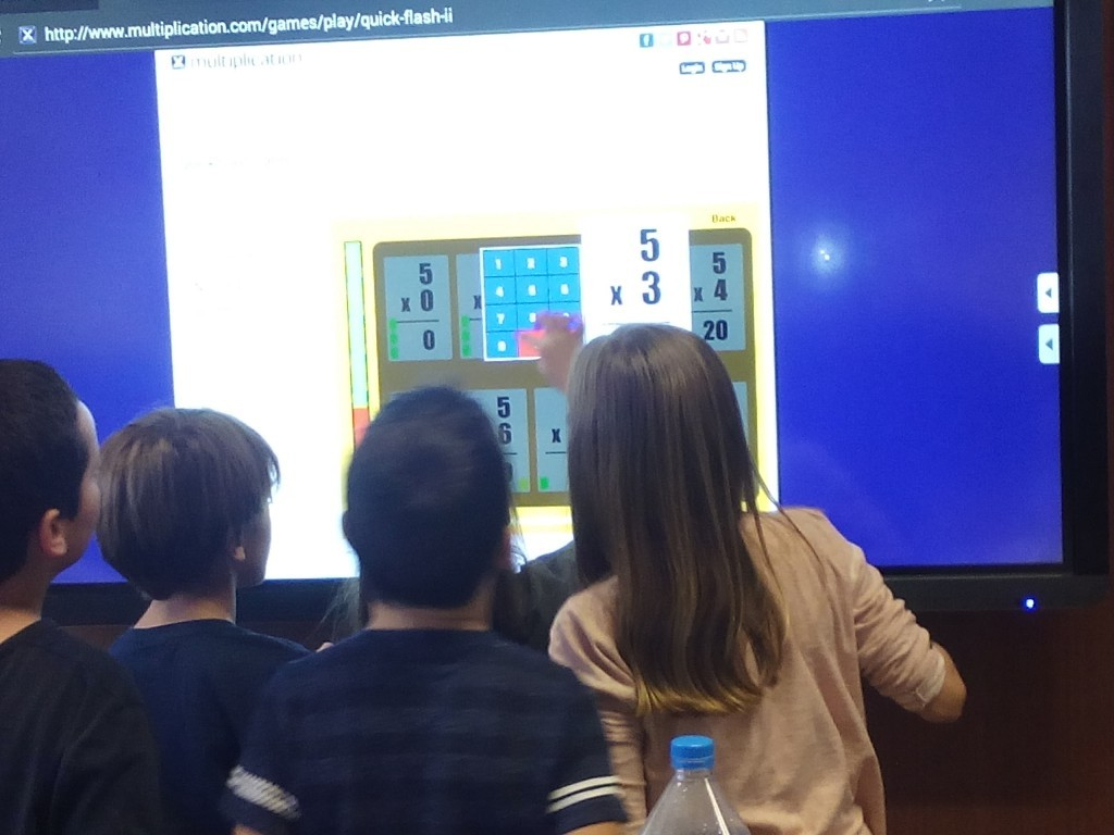 L'Escola Anselm Clave: more dynamic classes with touchmonitors Clevertouch