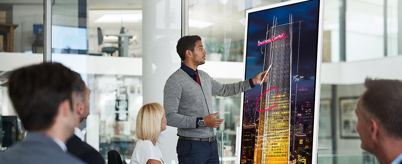Charmex launches a demo program to unveil Samsung Flip