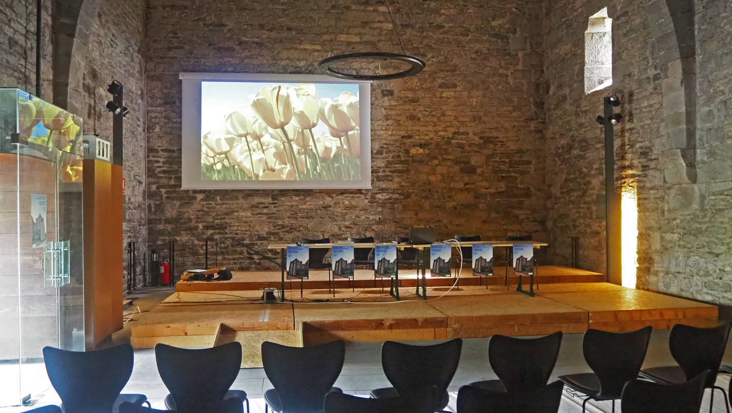 The Collegiate Church of Santa María de Orreaga in Roncesvalles updates its 12th century facilities with audiovisual technology