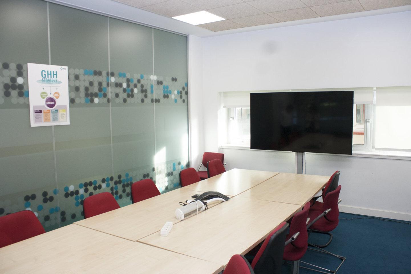 Charmex equipa el laboratorio MSD con soluciones de colaboración wePresent y monitores Sharp