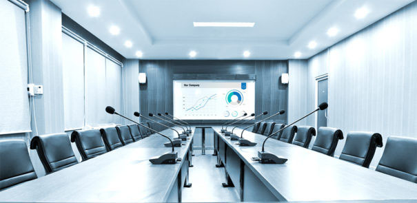 The Vivitek DU7000Z projector encourages collaboration in medium and large spaces